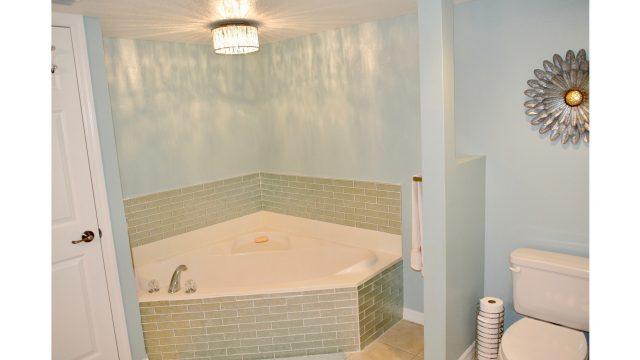 SOLKH306 master bath