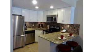 Special Offer! $600/week: Royal Mansions 2104 – Deluxe