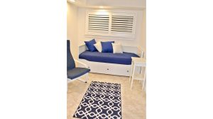 DWV305 guest room