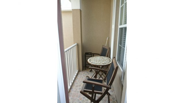 8625AB upstairs balcony